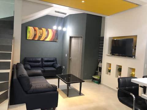 Casa nueva 4 recámaras acabados de lujo céntrico