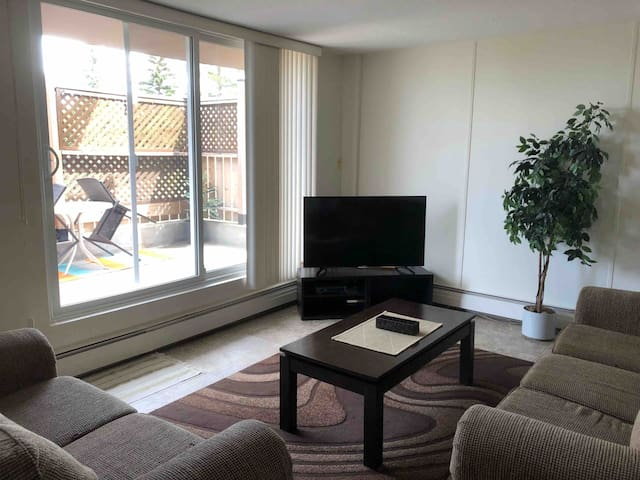 Spacious 2 Bdr Centrally located