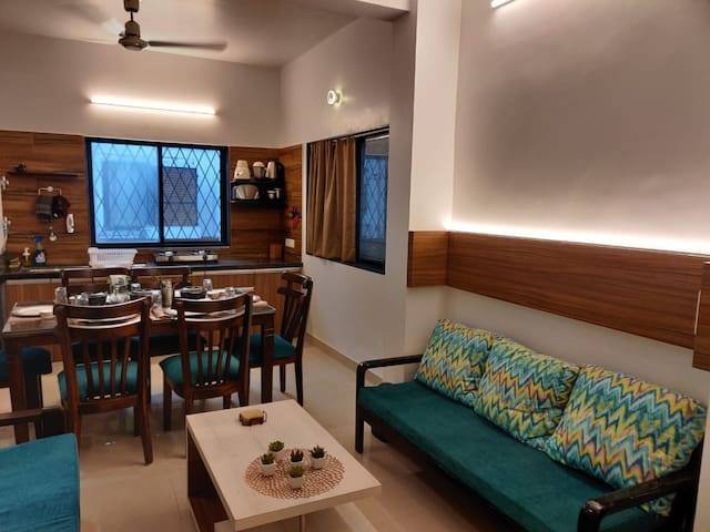 Chiraag's 2 BHK Home Nr. Iyengar Yoga Institute