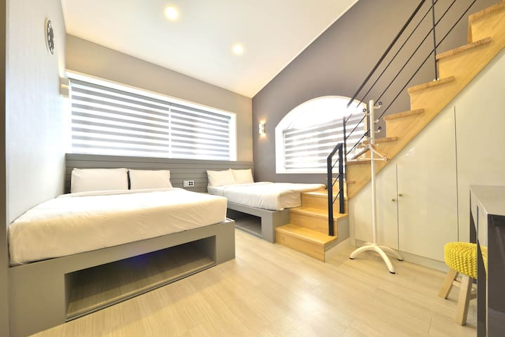 WITH U HOTEL & GUESTHOUSE SUITE FAMILY ROOM