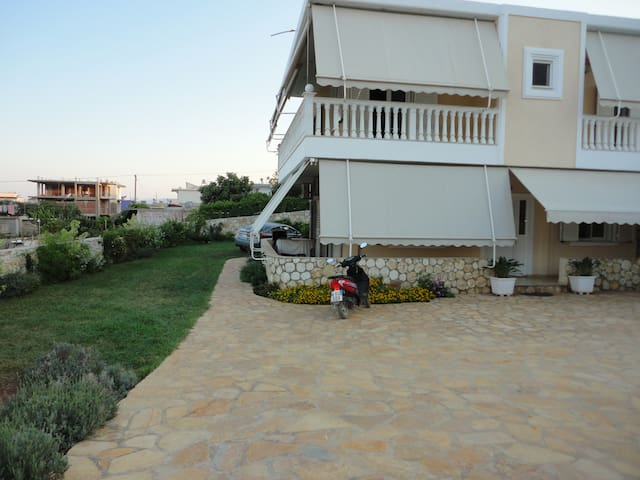 2 bedroom apartment in Ksamil .