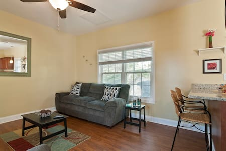 Delightful 2BR in historic St. Elmo - Chattanooga - Huis