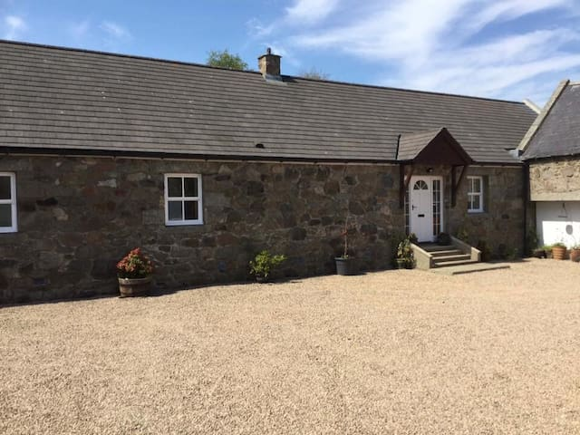 Spacious detached 4 bed steading Aberdeenshire
