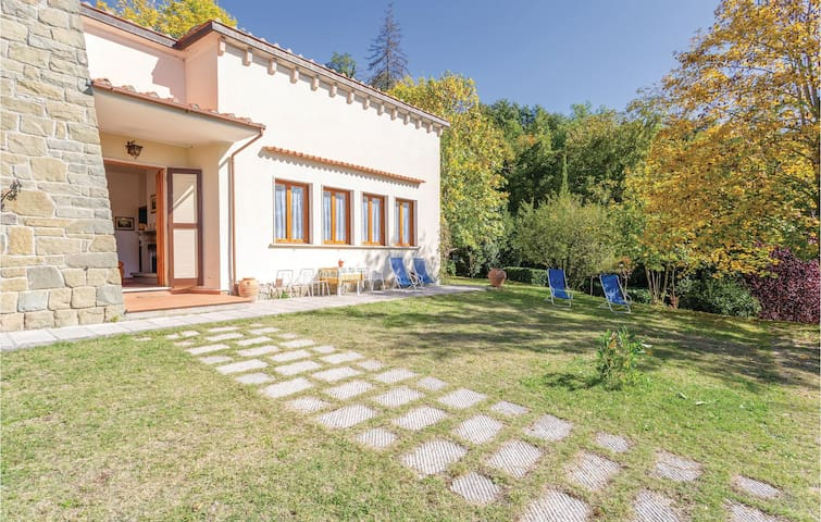 Holiday cottage with 2 bedrooms on 90m² in Stia -AR-