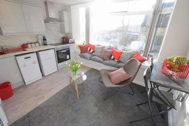 Refurbished 1 bed flat in the heart of the City