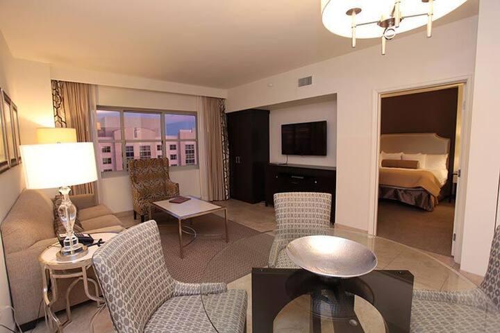1 Private Bedroom Suite