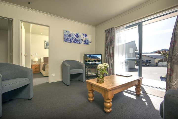 Two Bedroom Suite at Aldan Lodge Motel
