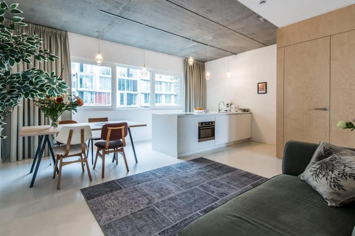 Modern and stylish apartment in the Houthaven