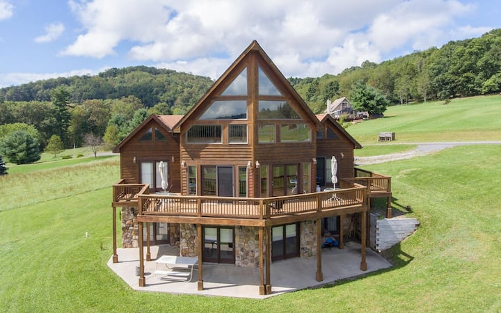 DOGS WELCOME! Lake Access Home w/Hot Tub, Fire Pit, & Corn Hole!