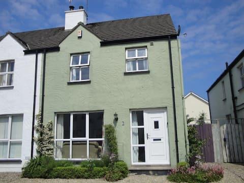 Moss Cottage (refurbished house - sleeps 6)