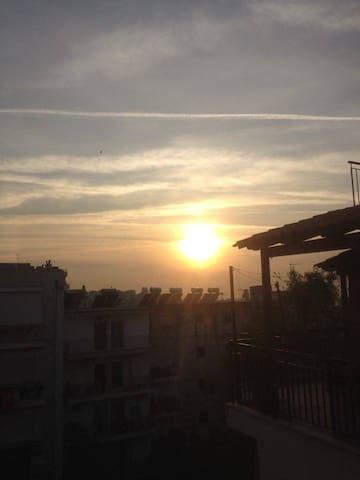 Sunny top floor loft in Athens! - Galatsi - Flat
