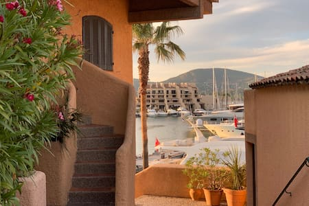 Marina appartement Saint-Tropez accès direct port