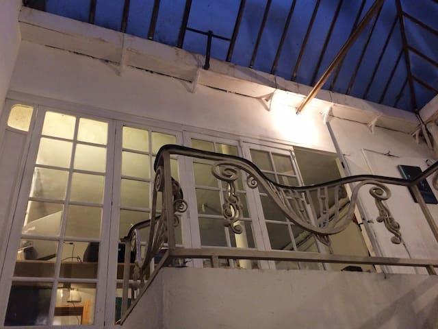 atelier -logement au coeur de Paris - Paris-1ER-Arrondissement - Loft
