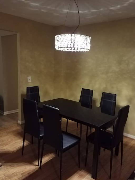 Dining Room With Gorgeous Chandelier Light