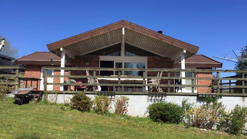 Hus i Hundested (106 kvm) tæt ved havet og havnen