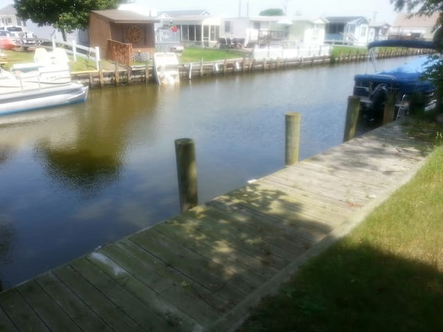3bdHouse canal nr. Fenwick $70nt or 1000 mo.+uti - Selbyville - House