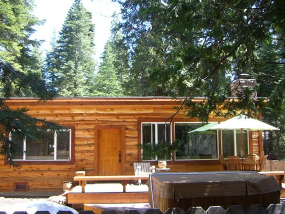 Luxury tahoe park cabin cabins for rent in tahoe city for Tahoe city cabin rentals