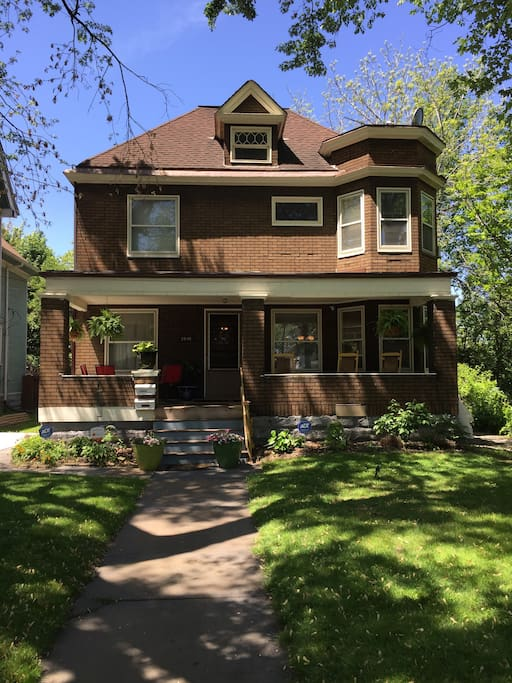 2 bedroom historic tremont apartments for rent in - 3 bedroom apartments in cleveland ohio ...