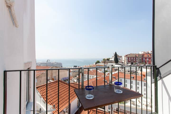 Eco-penthouse with terrace &view; ´São Vicente II´