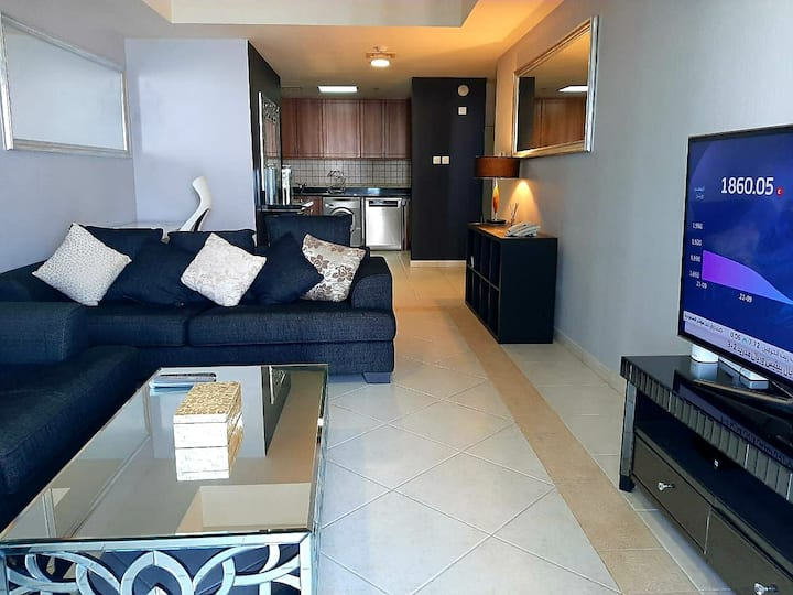 1bhk high floor appartment princess tower 6810