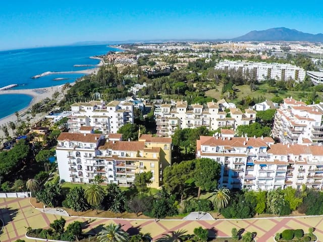 1 bed 5th floor west-facing apartment for rent in Medina Garden, Puerto Banus