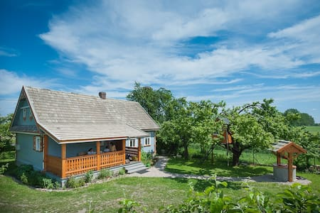 beautiful cosy COUNTRY COTTAGE close to BIAŁOWIEŻA - Hajnówka