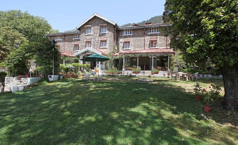 Romantic Getaway in the Heart of Nainital