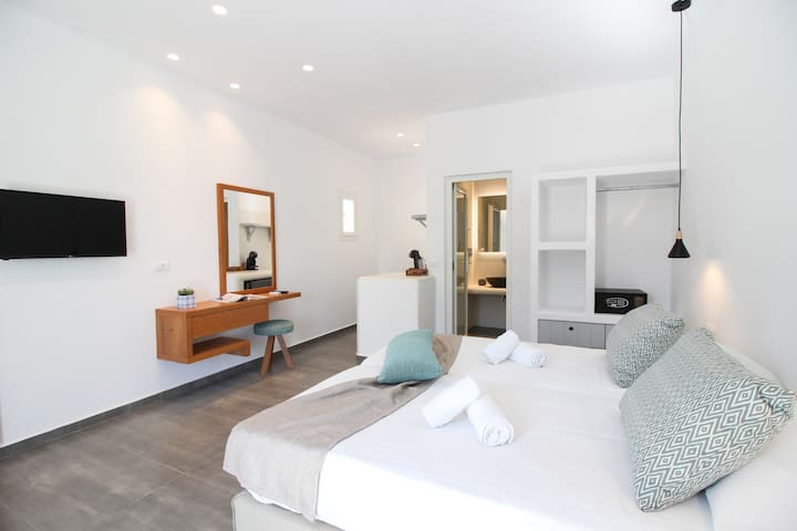 Abelos Mykonos NEW BOUTIQUE Room