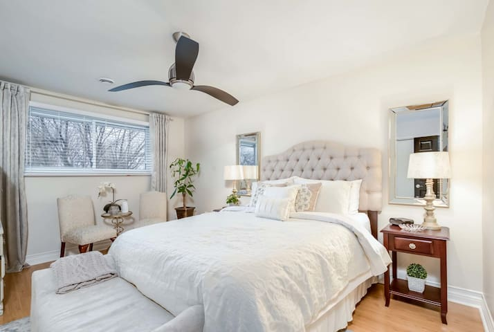 Luxurious & Modern Guesthouse near Niagara Falls