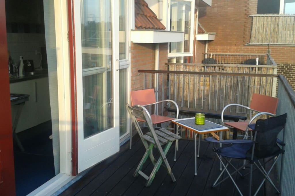Studio Appartment with large sunny Balcony