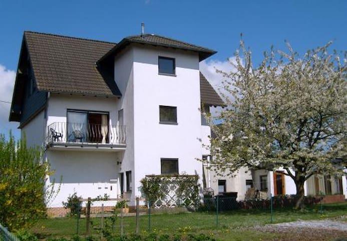 Ferienwohnung auf der Moselhöhe - Faid - Lejlighed