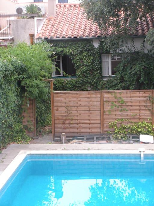 accès immédiat à la piscine