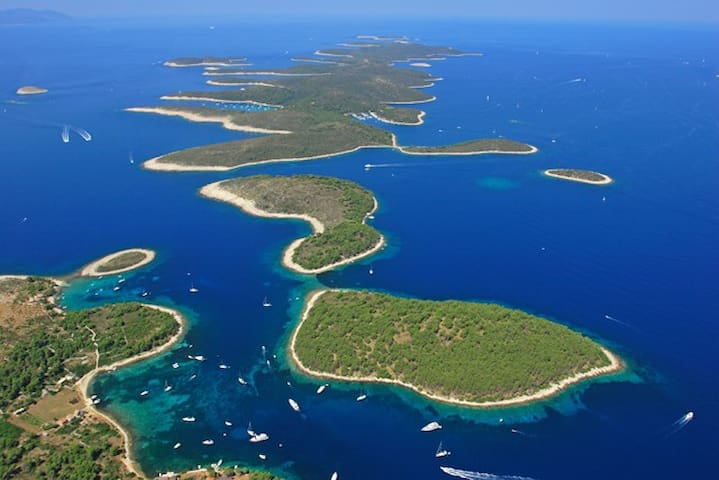 Hvar - Pakleni islands - daily boat trips