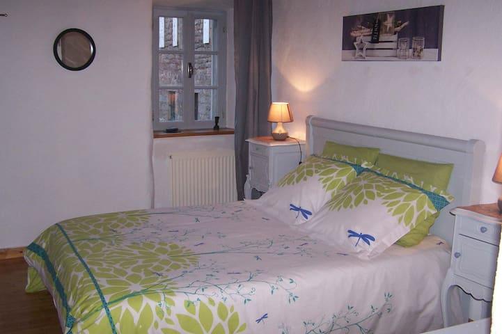 Chambre en Ardèche plein coeur