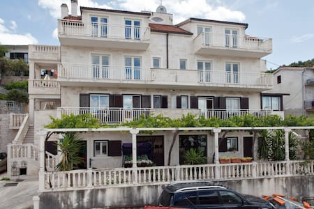Apartment Rubelj 3 Trogir-Mastrinka - Mastrinka - Apartemen