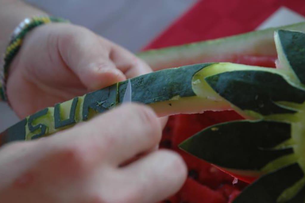 Fruti carving.