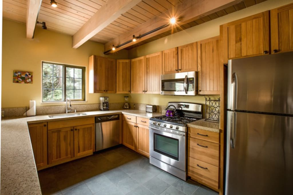 Fully Equipped, Upgraded Kitchen