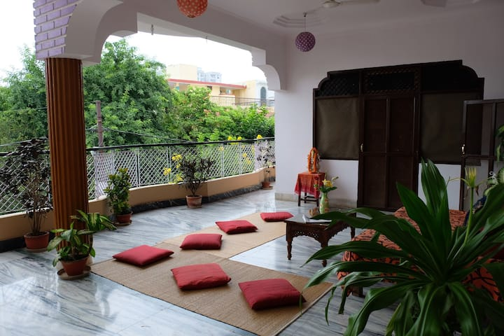 Purple Lotus Home Stay - Private Room - max 4 beds