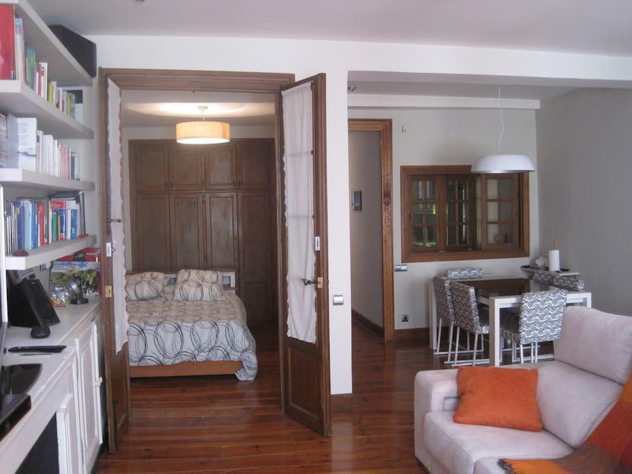 Habitaci n room nabarreria casco viejo city centre apartamentos en alquiler en pamplona - Alquiler apartamento pamplona ...