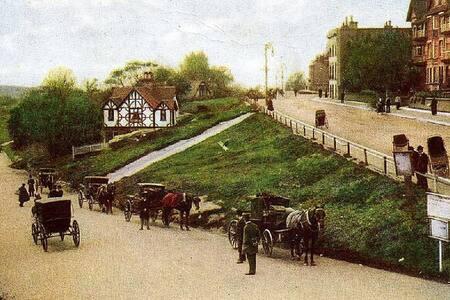 THE FAMOUS HOUSE -TUNBRIDGE WELLS - Royal Tunbridge Wells - Casa adossada