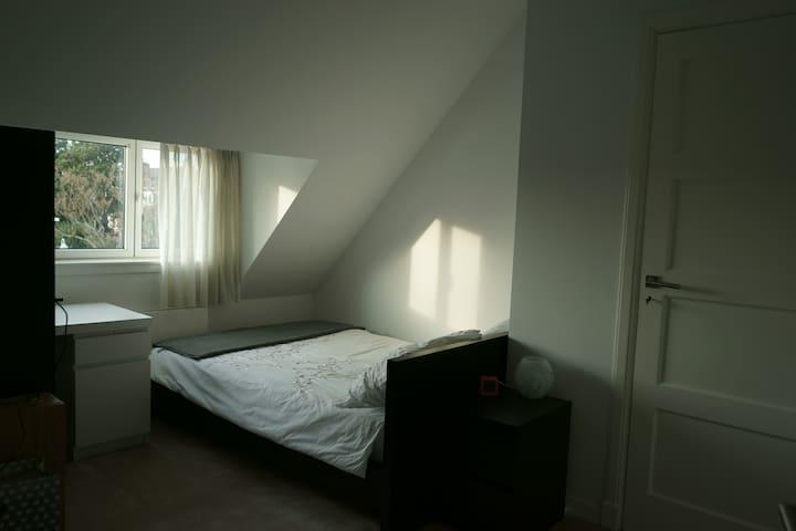 Bedroom 2. / Slaapkamer 2.