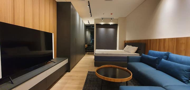 Luxury Bachelor Pad at Sudirman Suites benhil mrt