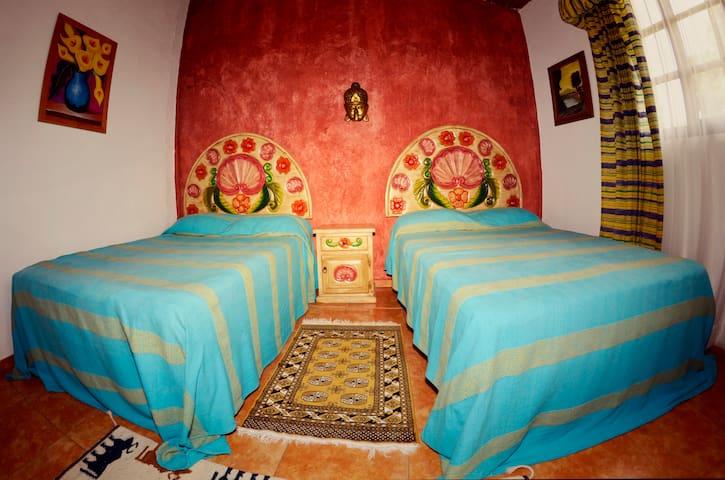 Linda habitación doble en Uruapan. - Uruapan - Bed & Breakfast