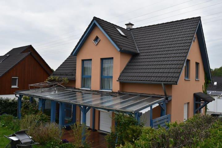 Gästehaus Euba - Fühl dich wie daheim - Chemnitz - House