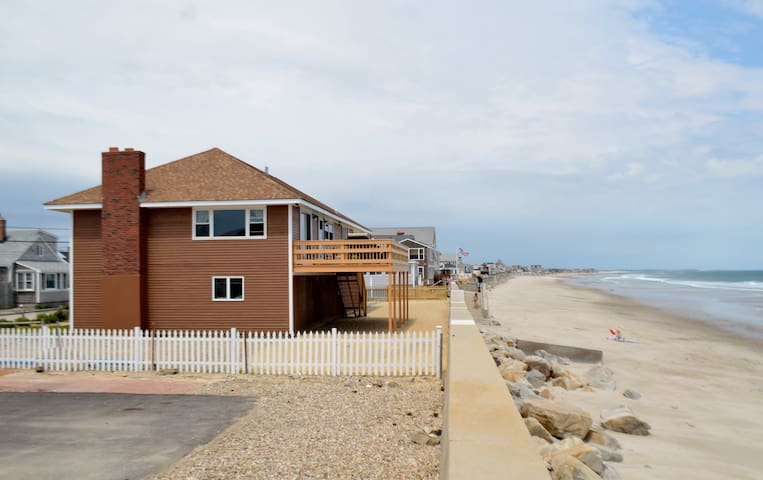 Direct Ocean Front Beach House - Marshfield - Huis