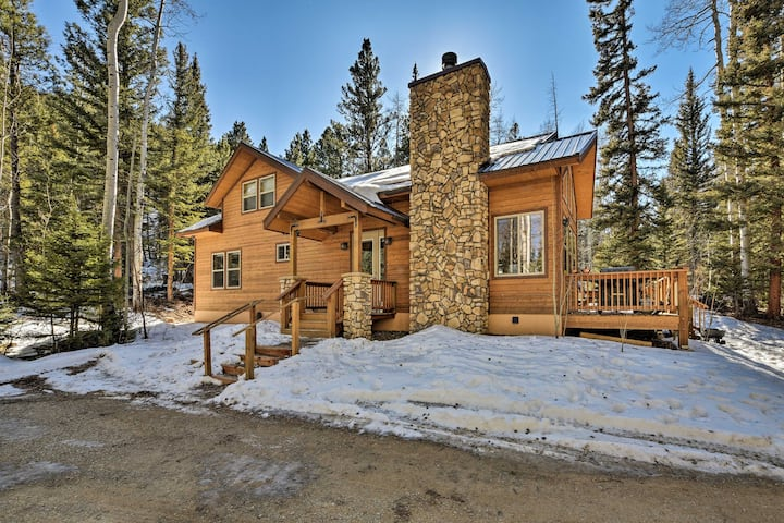 Salida Sanctuary on 10 Private Acres w/ Large Deck