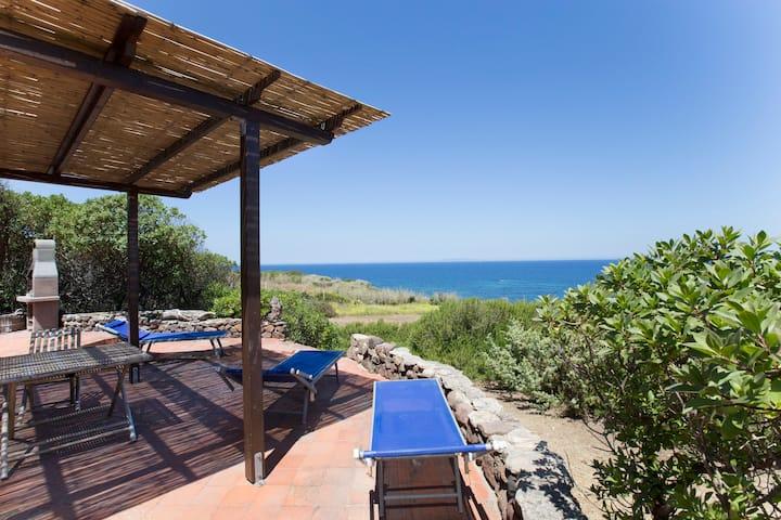 Villa overlooking the sea