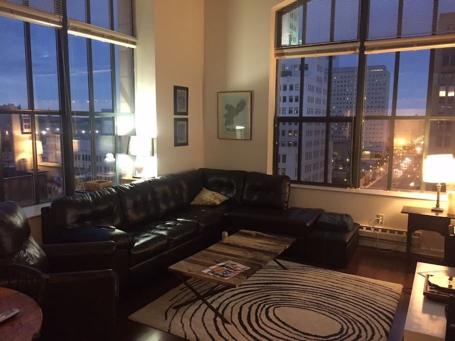 2 Floor Modern Downtown Loft Apartments For Rent In