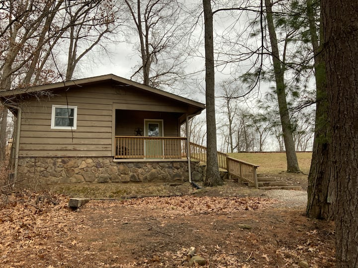 Hickory Cottage/800 acres of woods & scenic river