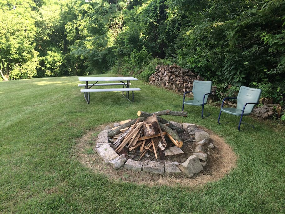 Wooded campfire and picnic area